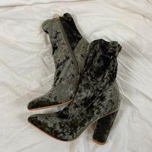CAPE ROBBIN grey velvet sock boots